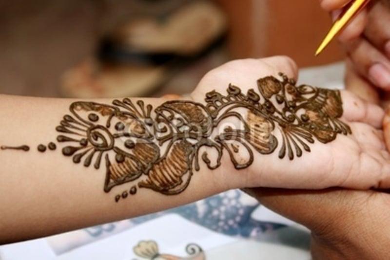 Apply Mehndi Hands : Scientific reasons behind hindu traditions reckon talk