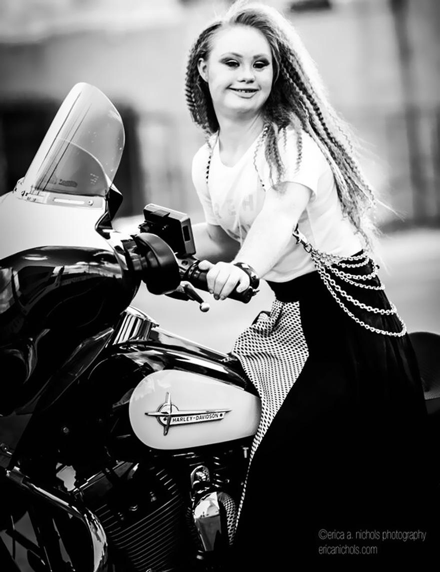 down syndrome, model, fashion week, new york, madeline stuart, australia, stuart, Australian model, Australian model with down syndrome, Rosanne, New York Fashion Week, handbag company EverMaya, EverMaya, modeling, fashion, inspirational, motivational, Christopher Reeve Foundation