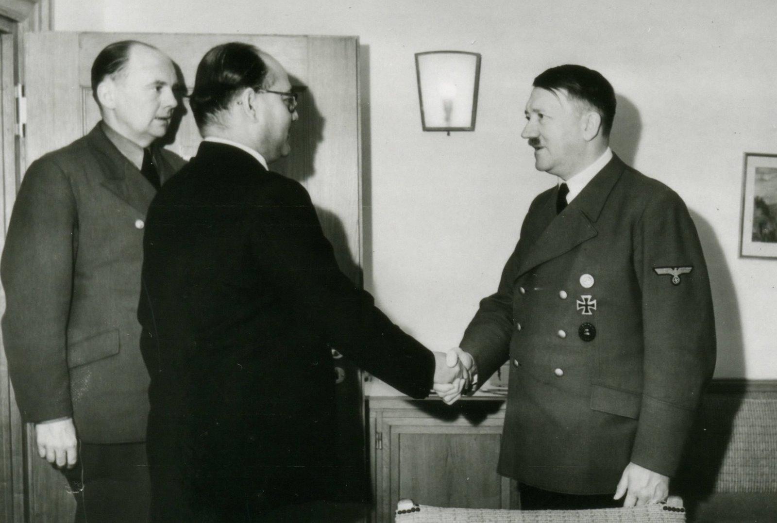 Adolf Hitler, Gandhi, Independence of India, ww2, world war, British, nazi, Germany, Netaji Subhashchandra Bose, indian Conspiracy, india freedom