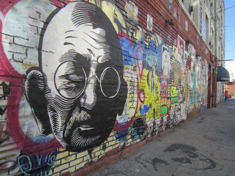 abstract art 3d wall art optical illution 3d illutionpavement art & 15 Graffiti Wall Art of World Famous Personalities | Must See ...