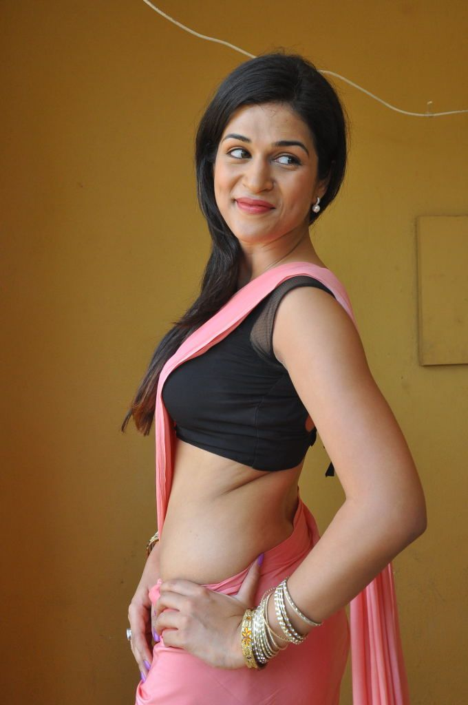 20 Hot & Sizzling Pics of Shraddha Das | Hottest South Indian ...