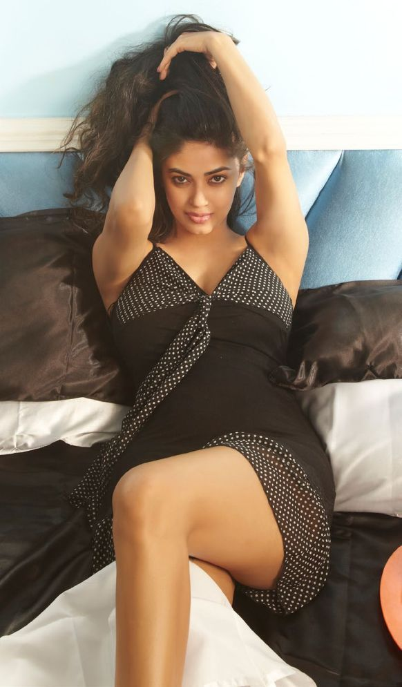Meera Chopra Wallpapers Hot Pics Sexy