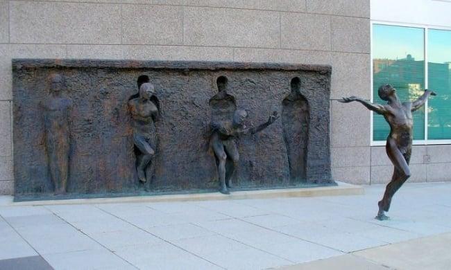 modern sculptures 7