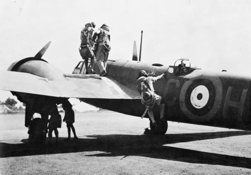 history of the indian air force history essay Presented here in these sections is the history of the indian air force the  unvarnished, un-revised version that is independent of jingoism and ultra- nationalism.