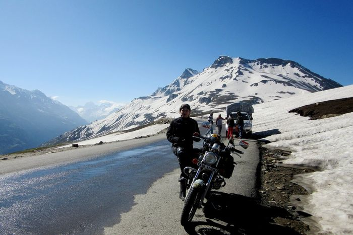 Roshni sharma Biking Trip from Kanyakumari to Kashmir (1)