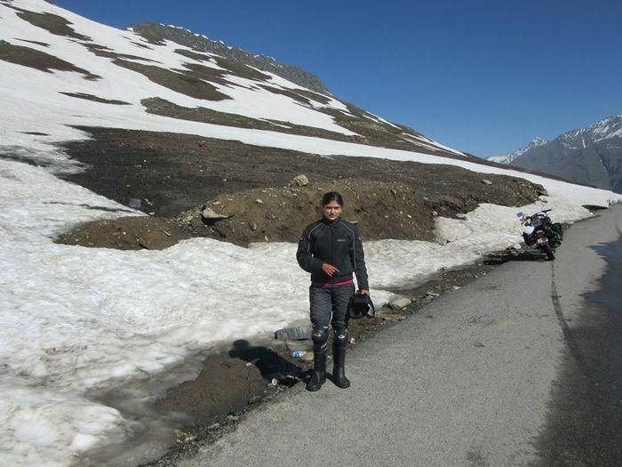 Roshni sharma Biking Trip from Kanyakumari to Kashmir (2)
