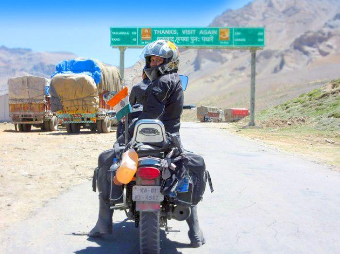 Roshni sharma Biking Trip from Kanyakumari to Kashmir (3)