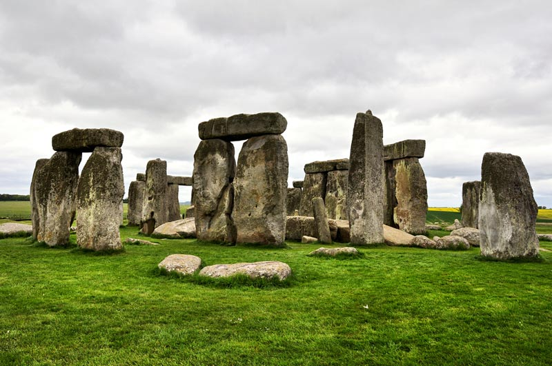 world, Mystery, secrets, Unsolved Mysteries, Unexplained Mystery, facts, UFOs and Area 51, alien, Crop Circles, Bigfoot, The Belmez Faces, Pyramid Power, The Mayan 2012 Prophecy, Stonehenge, Loch Ness Monster, Bermuda Triangle