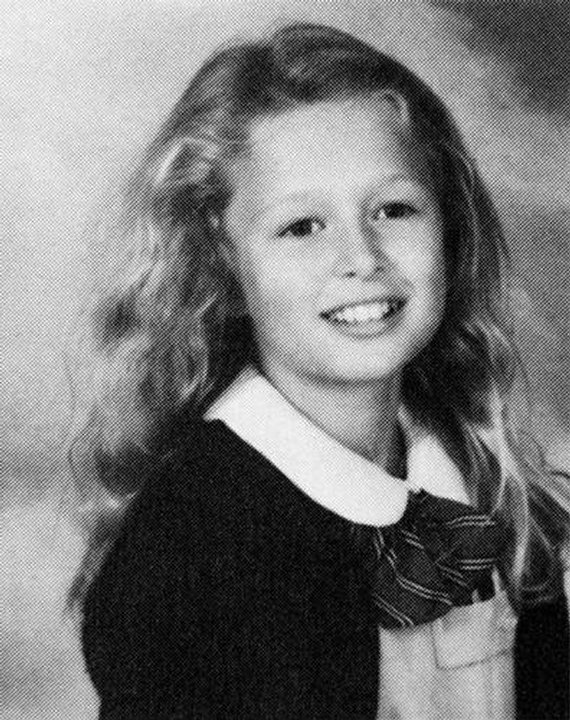 16 Photos Of Famous Female Celebrity When They Were Young