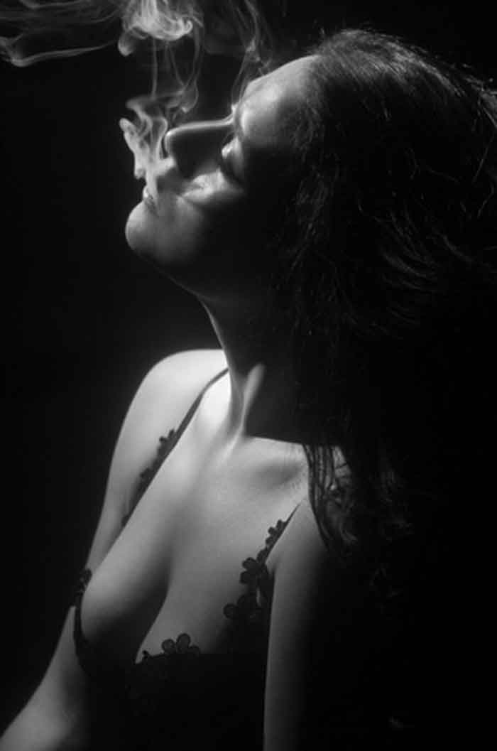 krishna shroff, krishna shroff hot, krishna shroff topless, krishna shroff instagram, krishna shroff photo, tiger shroff, jackie shroff, hot actress photos, indian actress, indian model, bollywood, krishna shroff selfie, jackie shroff daughter