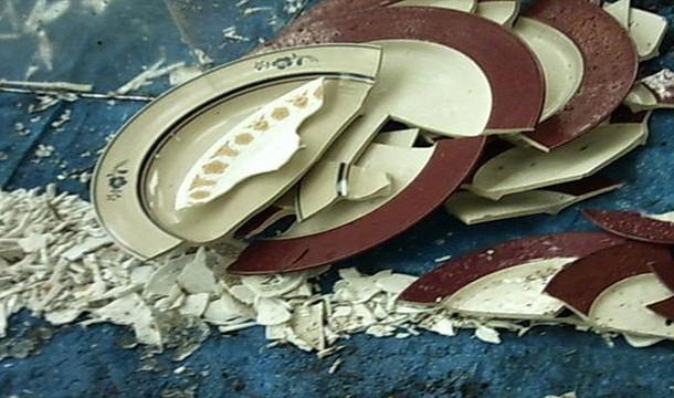 Broken Plates (Denmark)