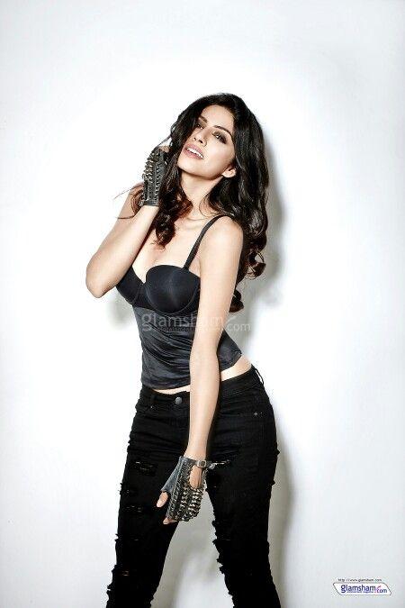 sapna pabbi wallpapers, sapna pabbi hot pics, sapna pabbi sexy pics , sapna pabbi latest pics,sapna pabbi movie, sapna pabbi hot photo, khamoshiyan girl, 17 ko shadi hai girl