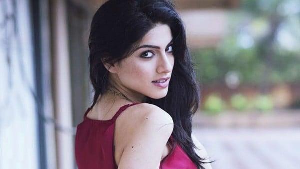 sapna pabbi actress hot