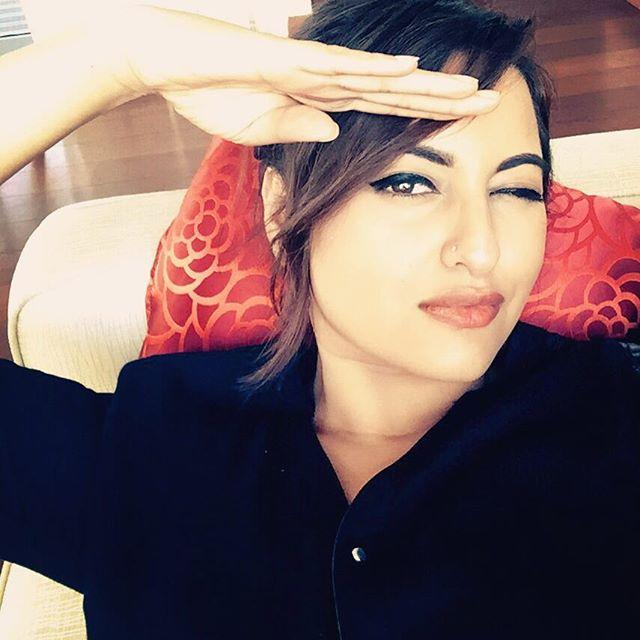 sonakshi sinha, sonakshi sinha hot, sonakshi sinha sexy, sonakshi sinha photo, sonakshi sinha wallpaper, hot actress photos, indian actress, sonakshi sinha twitter, sonakshi   sinha instagram, sonakshi sinha facebook, bollywood, sonakshi sinha mother, sonakshi sinha selfie, sonakshi sinha without makeup, sonaksi, sonakshi, sonakshi sinha dubsmash, dubsmasher, crazy