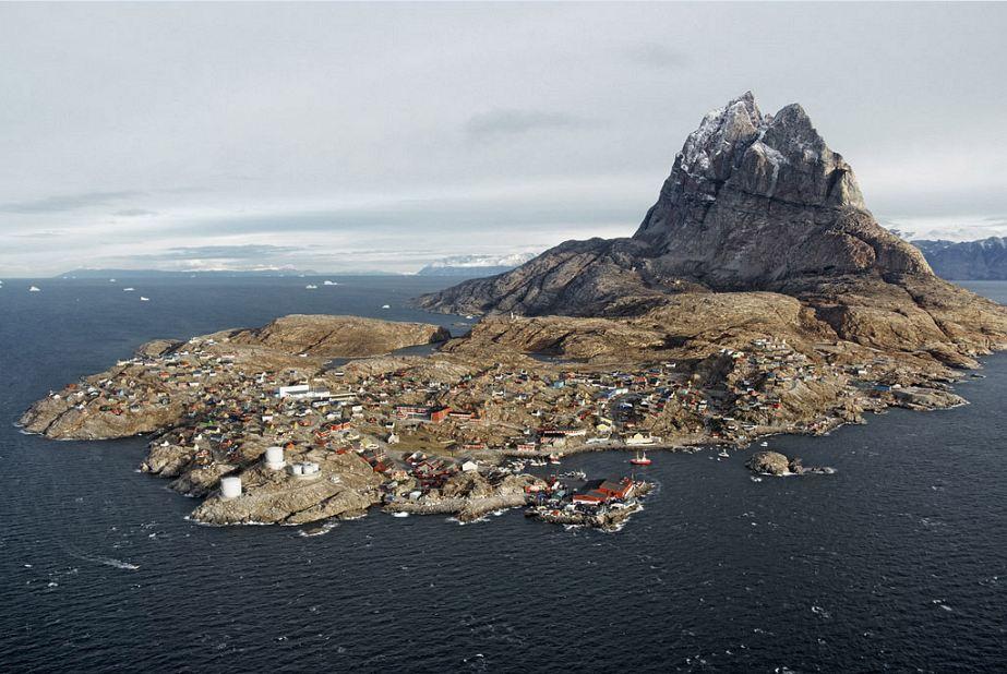 uummannaq island, atlantic ocean, greenland, arctic, greenland facts, amazing, life, culture, tourism