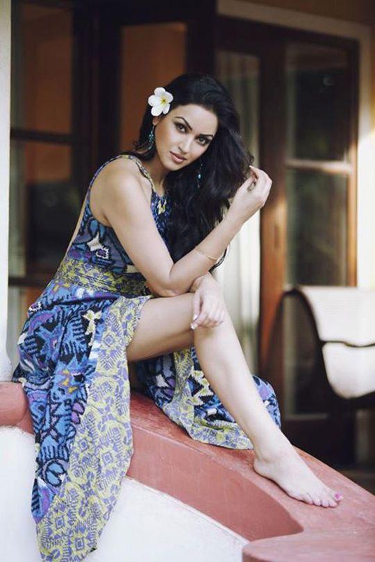 Indian girl form mumbai bombay india 2 7