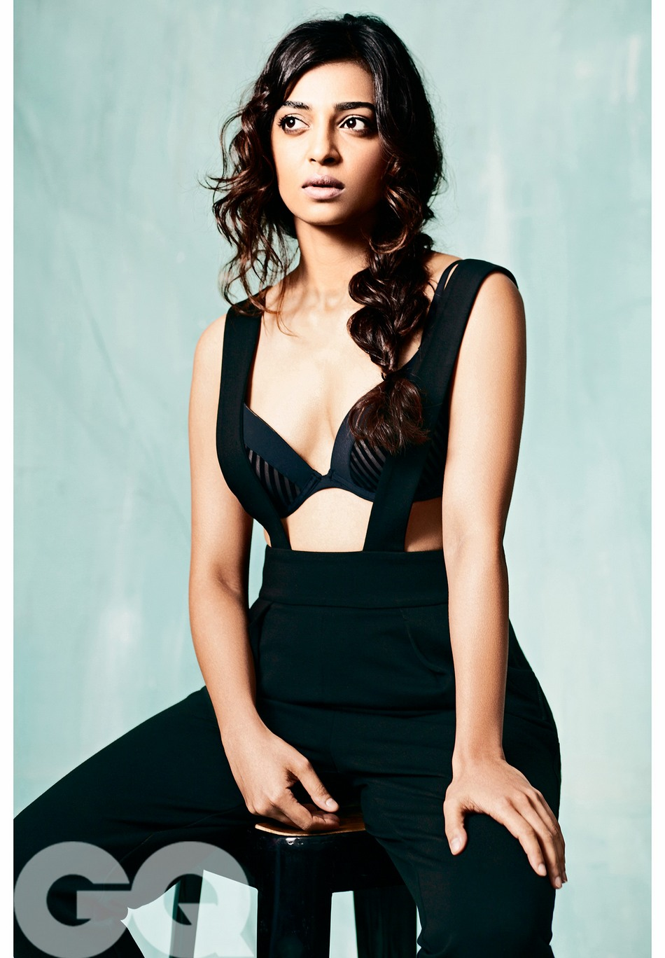radhika-apte-sexy-hot-photoshoot-gq-magazine-marathi-2016 (6)