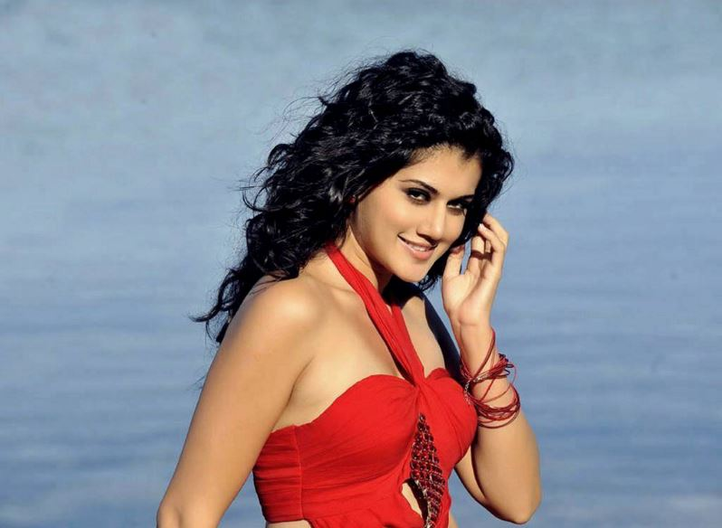 Taapsee Pannu Hot Photos And Biodata