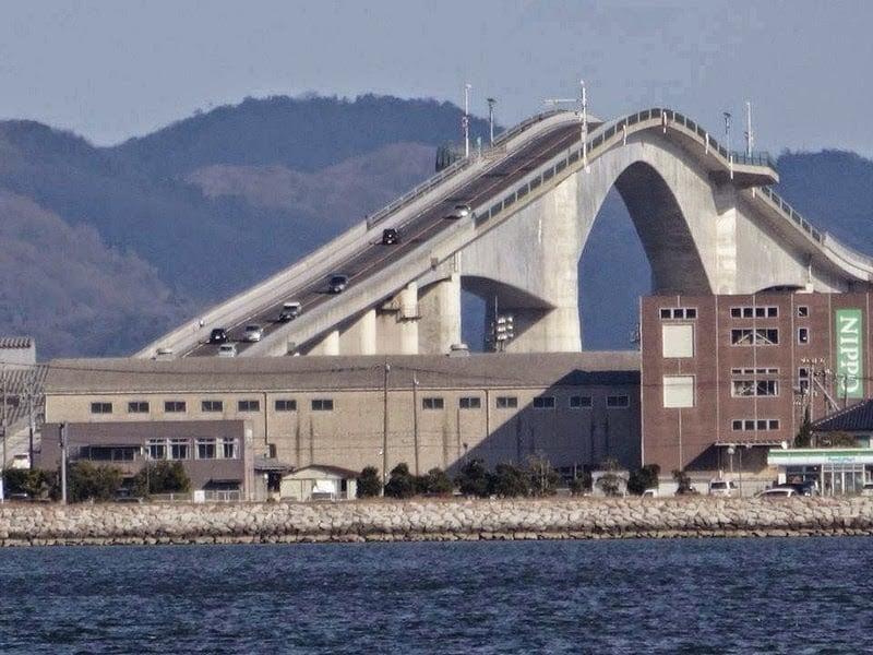 deadliest bridge, dangerous bridge, scariest bridge, world's most shocking bridge, japan, japanese, eshima ohashi bridge, crazy, amazing