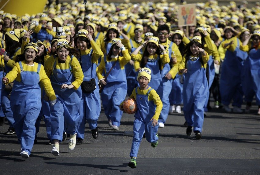 japan, minions, tokyo, charity, asia, japanese girls, minions run, japanese selfie, hot selfie, cute japanese