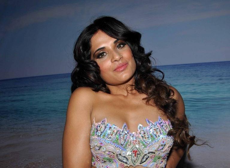 richa chadda, richa chadda hot, richa chadda sexy, richa chadda phoro, richa chadda fmh, richa chadda hot photoshoot, indian actress, bollywood actress, richa chadda twitter, richa chadda instagram