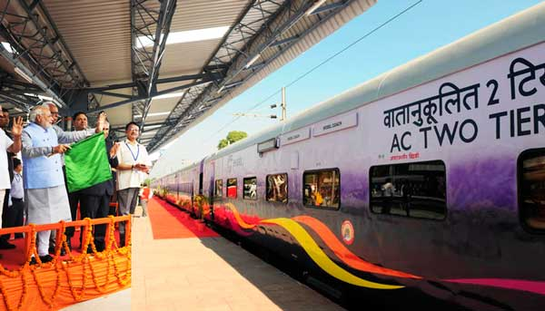 mahamana express, mahamana express photo, india, stupid, indian, news, up people, uttar pradesh, varanasi, dumb passengers, north india, stupid indian, bihari, bizzare