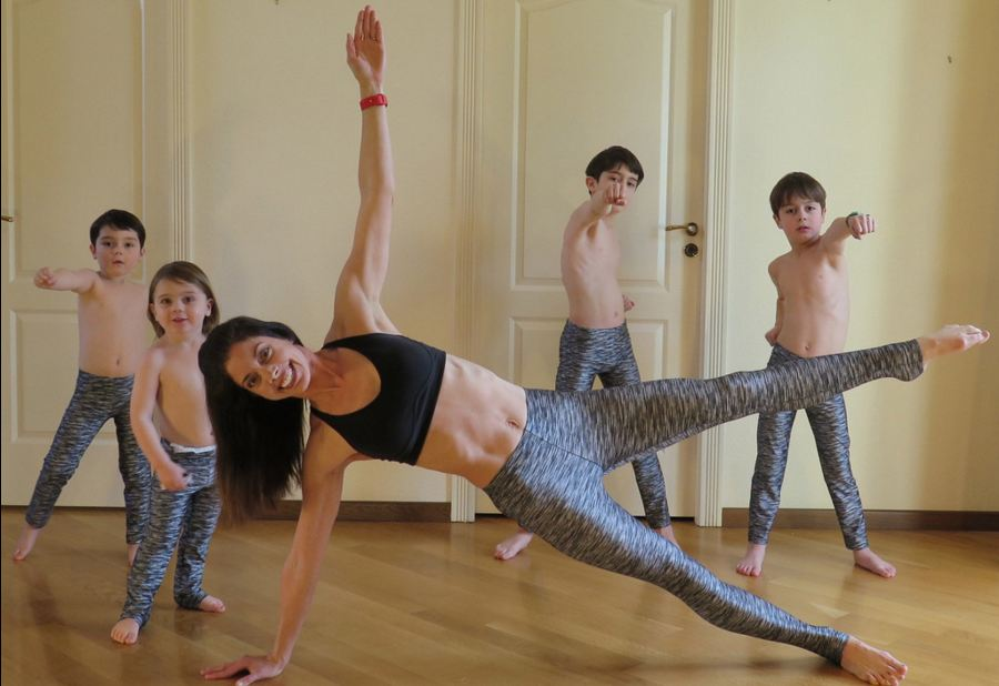 fitness, workout, amazing, america, jennifer gelman, house workout, home workout, creative, mom with kids, mother children exercise, crazy