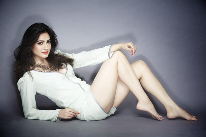 15 Hot & Spicy Photo's of Kriti Kharbanda   Sandalwood Sensation