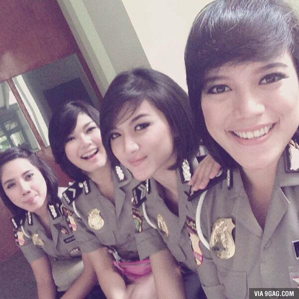 indonesia, police woman, indonesian police woman, virginity test, asian sexy police, hot police, cop, female police photo, selfie