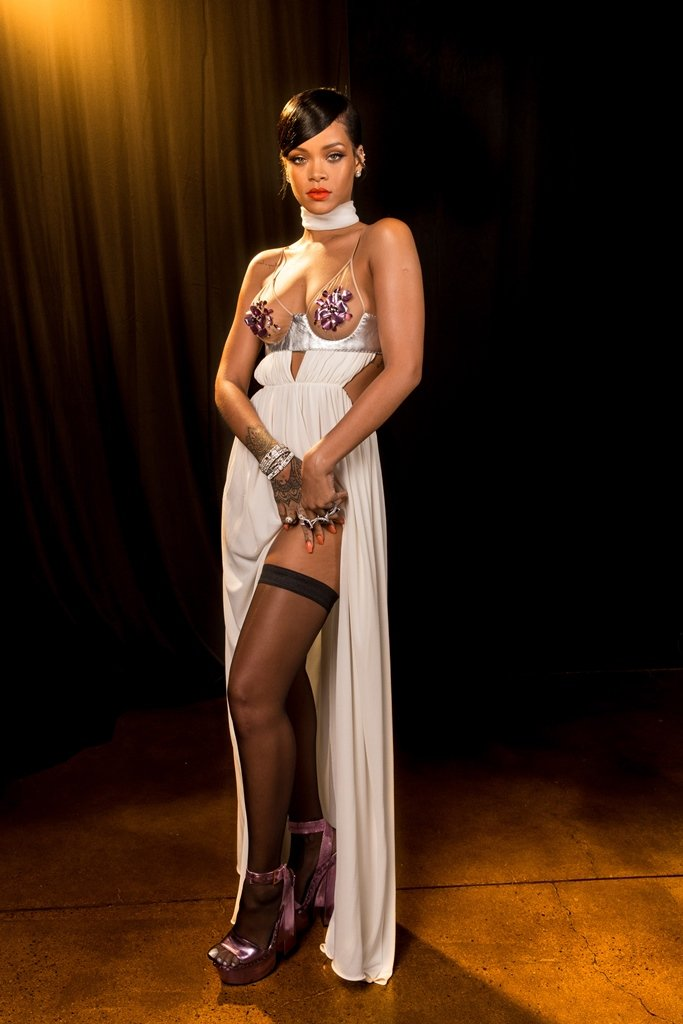 15 Hot Amp Spicy Photo S Of Rihanna Queen Of Pop Reckon Talk