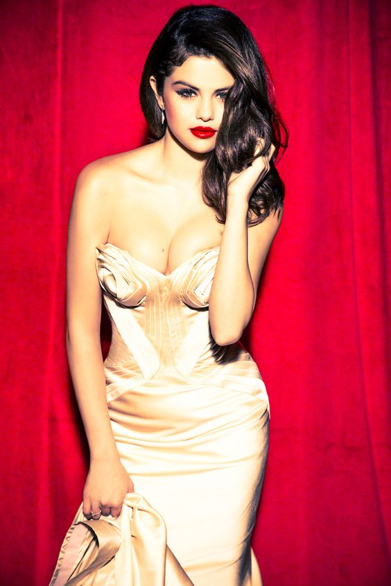 15 hot spicy photo 39 s of selena gomez reckon talk for Hot fb pictures