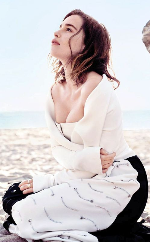 Emilia Clarke Daenerys Targaryen Age Bio Movies