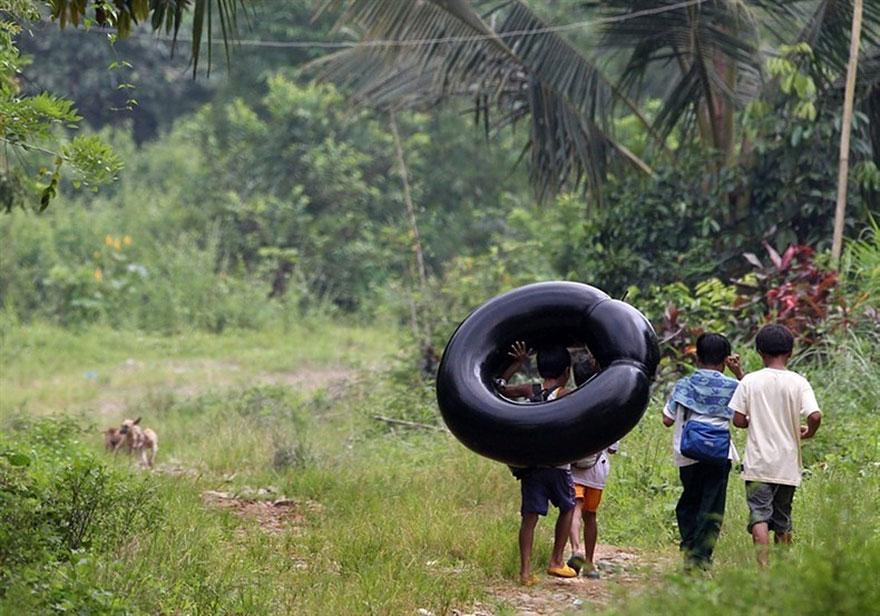dangerous school journeys, school, kids, dangerous school routes, journeys to school