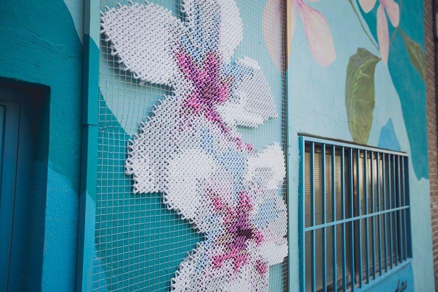 cross stitch art, street art, Raquel Rodrigo, creative, amazing, awesome, wow