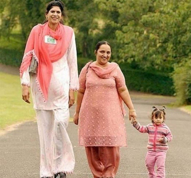 tallest woman nba player, top 10 tallest women in the world, tallest women in the world, tallest girl in the world, giant, world's tallest woman, worlds tallest female, tallest women models