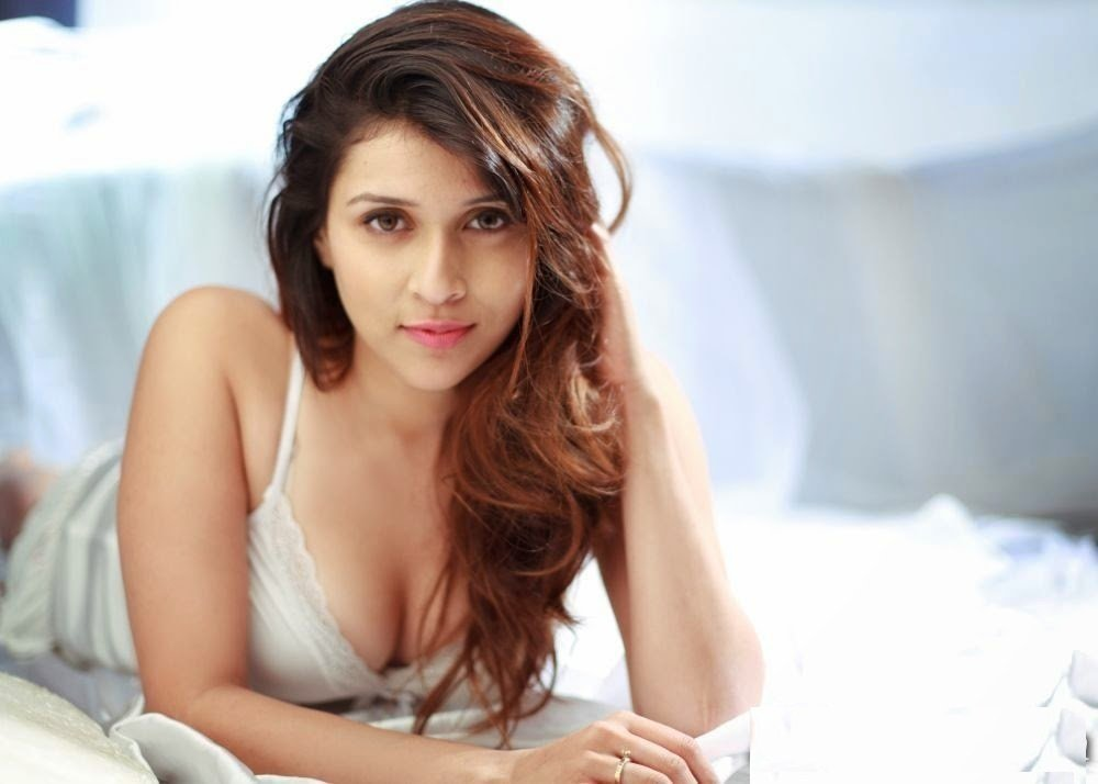mannara chopra wallpapers,mannara chopra hot pics,mannara chopra fb,mannara chopra twitter,mannara chopra insta,mannara chopra bikini,bollywood actress , zid movie hot actress, barbie handa, barbie handa hot photos