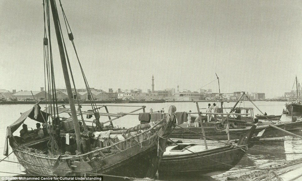 uai , uai old photo, uai vintage pics, dubai creek, dubai creek old photos, dubai creek old pics,dubai monument,dubai monument old photos, dubai , dubai old footage, dubai rare photo, dubai old photos, old footage
