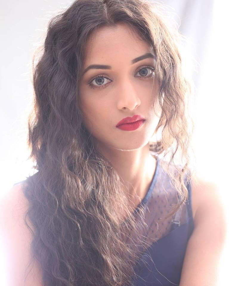 Srinidhi Shetty Miss Supranational 2016 Pics Family
