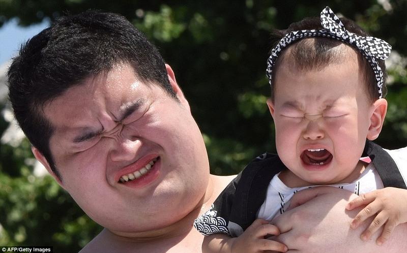 japanese festivals, japan, asia, tokyo, crying baby festival, weird, temple, nakizumo festival, worlds strangest festivals