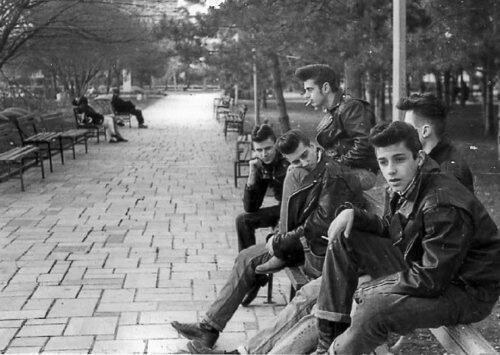 old school cool, reddit old school, coolest people ever, old school cool photos, amazing vintage photos, badass old photo, black & white photo, historical pictures, rare photos
