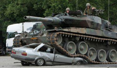 cool photos, tank photos, tank vs car, tank crushes car, germany, amry, military