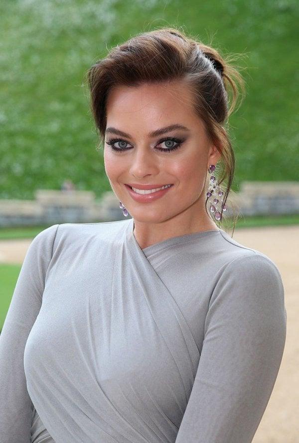 Margot-Robbie-hot-photos