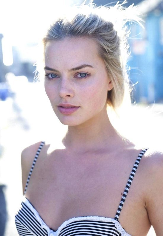 hot-and sexy-margot-robbie-pic