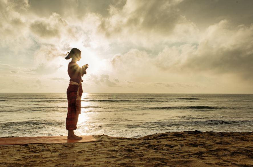 prayer pose, pranamasana, surya namaskar pose 1, sun salutation step 1