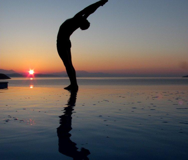 Prayer pose, pranamasana, surya namaskar pose 2, sun salutation step 2
