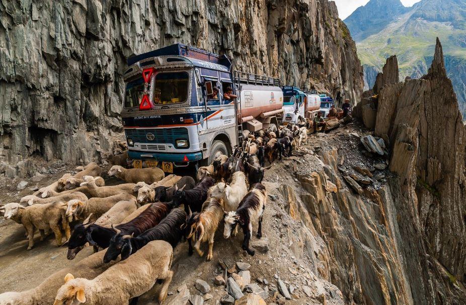 roads, highways, deadliest roads in the world, dangerous roads in the world, scariest roads, ice highway, mountain highway