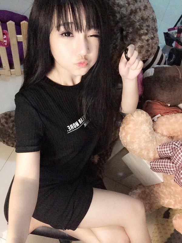 viral, asia, asian girl, hot girl, cute, aww, vietnamese girl, beautiful, dishwasher girl, sexy asian, vietnam, hottest asian, sexiest asian, hottest asian, sexiest asian