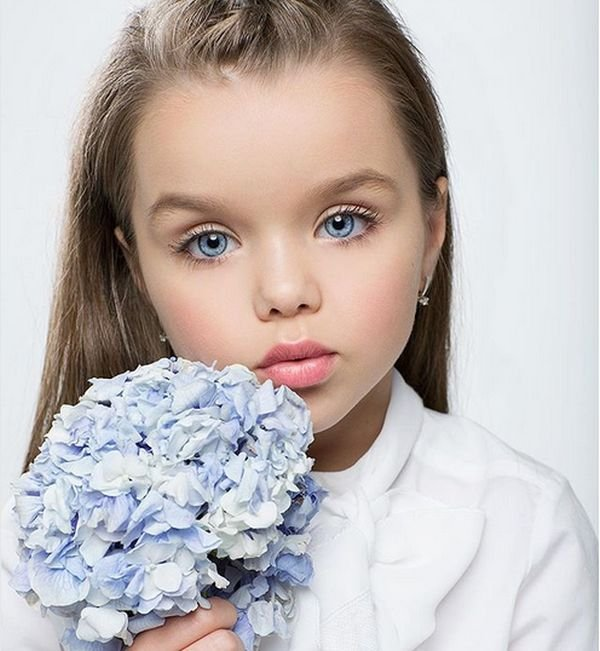 most beautiful girl in the world, russia, russian girl, russian child model, anastasia knyazeva, anna photo, instagram, instagram celeb, viral, cutest girl, kid, child