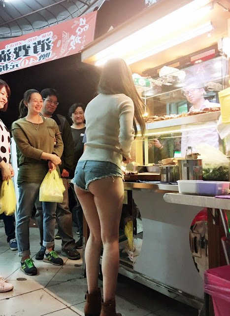 sexy, hot, taiwan, taiwanese girl, hottest stall vendor, viral, asia, hot taiwanese girls, street food girl, sexy street food girl, hottest street food girl