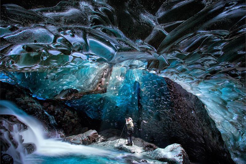 vatnajokull glacier facts, vatnajökull glacier tour, vatnajokull glacier cave, vatnajökull glacier hike, vatnajökull national park, europe, travel, iceland, adventure